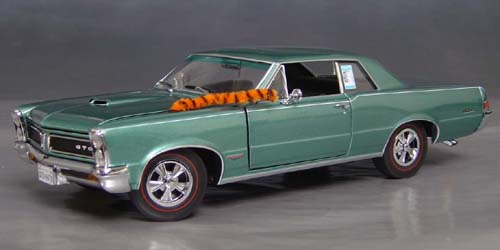 8th Anniversary Official Pontiac Die Cast Commemorative Collectible 1965 GTO Hurst Edition