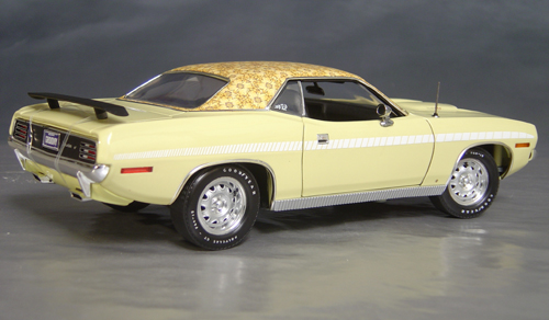 1970 Plymouth Cuda Yellow mod top/white strobe!