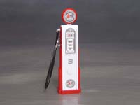 Corvette Gas Pump, 1/18th scale