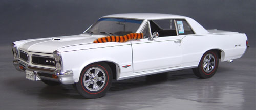 9th Anniversary Official Pontiac Die Cast Commemorative Collectible 1965 GTO Hurst Edition hard top