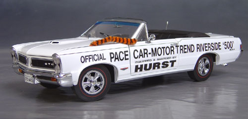 9th Anniversary Official Pontiac Die Cast Commemorative Collectible 1965 GTO Hurst Edition White Convertible Pace Car